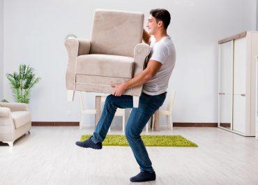 8 Трика за преместване на тежки мебели